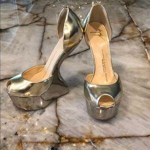 Giuseppe Zanotti Gold Heels 37